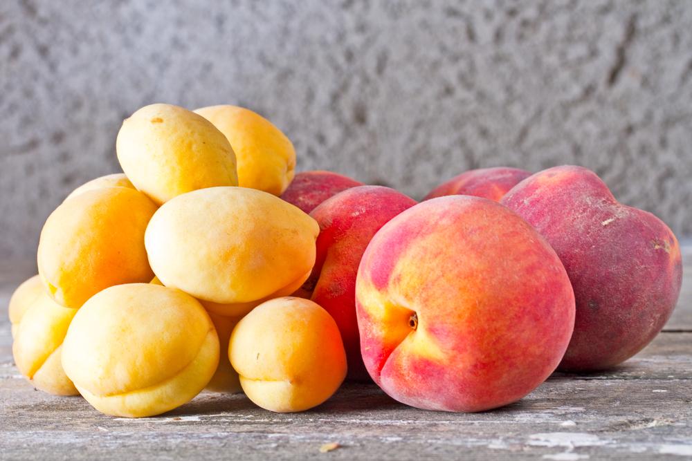 абрикосы персики